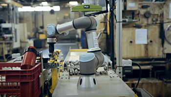 Smart robot picks 500 parts every hour – case study